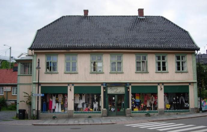 1988 Lindtruppbakken 2