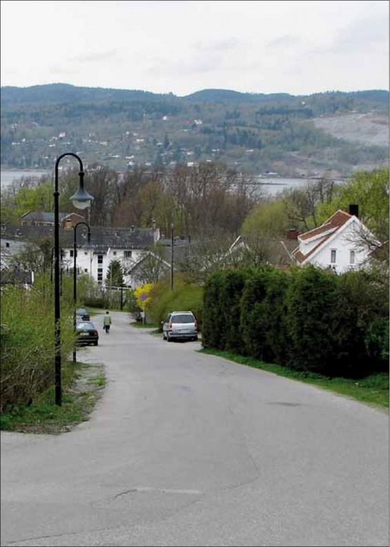 Seimbakken er den opprinnelige «drøye bakken» som ga Drøbak sitt navn.
