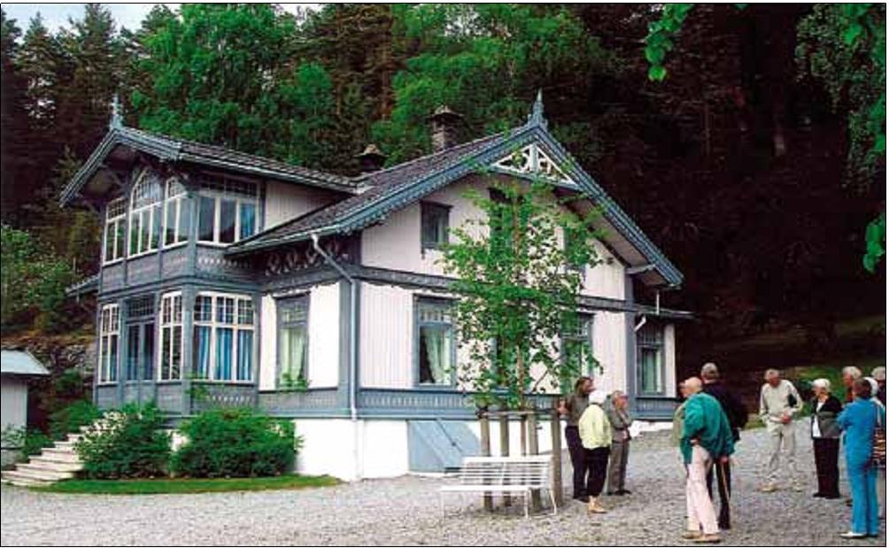 Amundsens eiendom: Uranienborg på Svartskog får besøk av Follo Museum og Follo Museums Venner