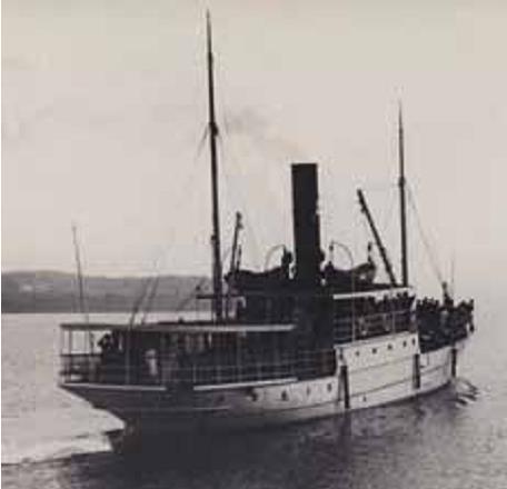 «D/S Alpha» av Moss var en kjent og kjær fjordbåt. (Utsnitt. Kilde: Harald Lorentzen: «Fjordbåtenes saga»).
